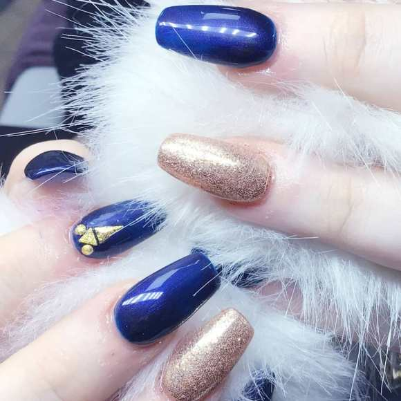 50 Glam Gold Girly Nail Art Looks Ideas 31