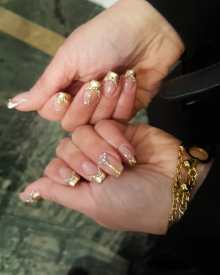 50 Glam Gold Girly Nail Art Looks Ideas 35