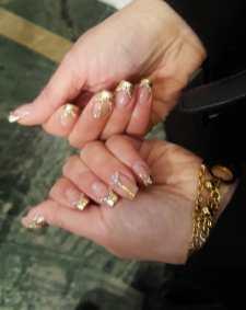 50 Glam Gold Girly Nail Art Looks Ideas 35