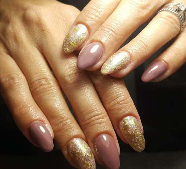 50 Glam Gold Girly Nail Art Looks Ideas 38