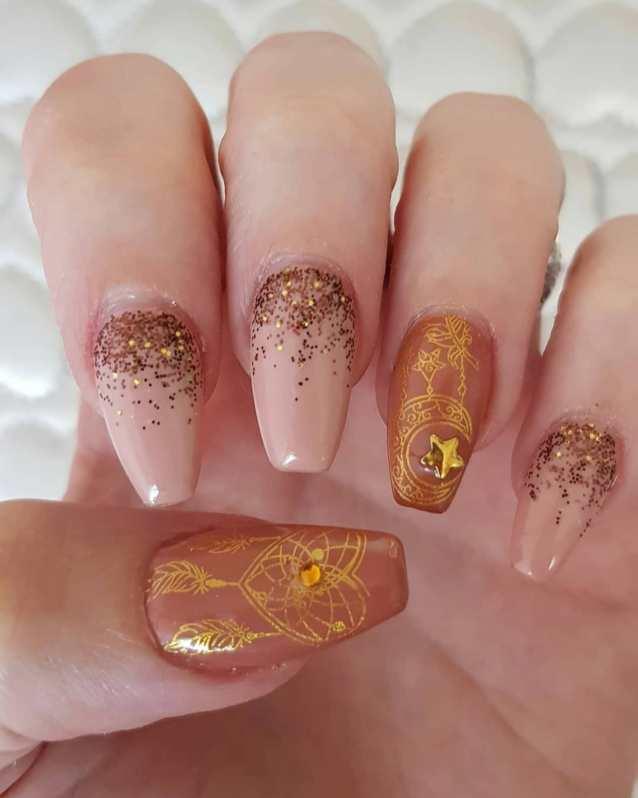 50 Glam Gold Girly Nail Art Looks Ideas 44