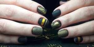 50 Glam Gold Girly Nail Art Looks Ideas 45