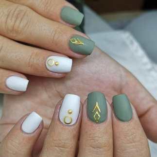 50 Glam Gold Girly Nail Art Looks Ideas 51