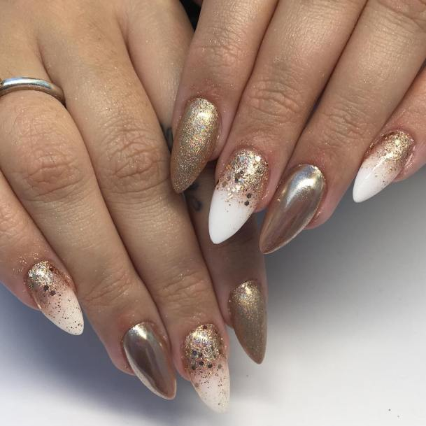 50 Glam Gold Girly Nail Art Looks Ideas 54