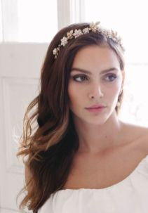 50 Natural Loose Hairstyle Looks for Brides Ideas 12