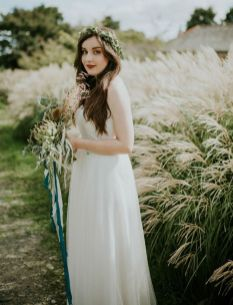 50 Natural Loose Hairstyle Looks for Brides Ideas 2