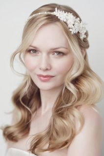 50 Natural Loose Hairstyle Looks for Brides Ideas 24