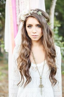 50 Natural Loose Hairstyle Looks for Brides Ideas 37