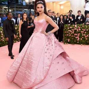 80 The Looks You Need to See From Met Gala 2019 65