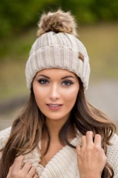 30 Best Warm Winter Hats for Women05