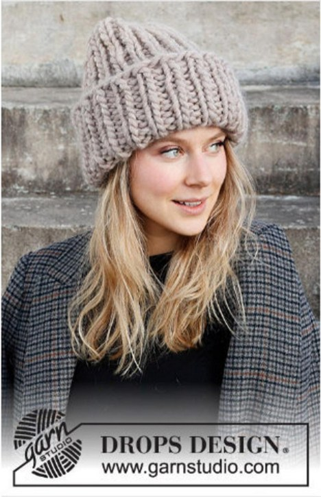 30 Best Warm Winter Hats for Women30
