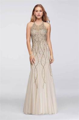 30 Inspiration for a sleeveless long dress outfit to appear feminine and trendy 08