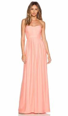 30 Inspiration for a sleeveless long dress outfit to appear feminine and trendy 14