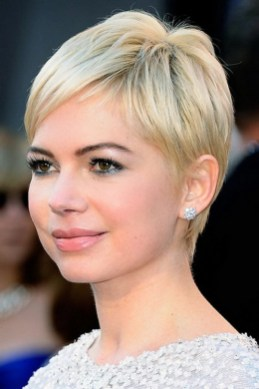 40 Beautiful short hairstyle Ideas for 2021 05