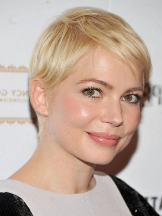 40 Beautiful short hairstyle Ideas for 2021 06