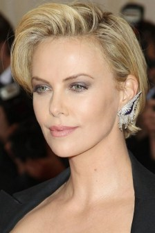 40 Beautiful short hairstyle Ideas for 2021 25
