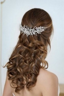 40 How Elegant Wedding Hair Accessories Ideas 20
