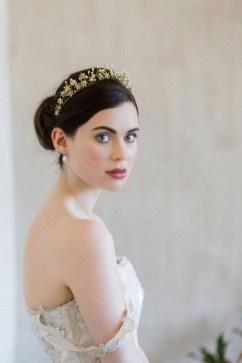 40 How Elegant Wedding Hair Accessories Ideas 30