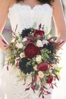 Best Romantic Peony Wedding Bouquet Inspiration 28