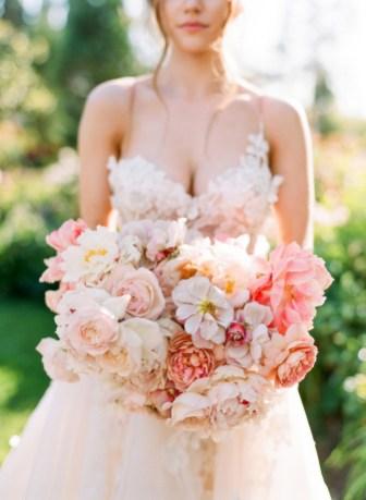 Best Romantic Peony Wedding Bouquet Inspiration 31