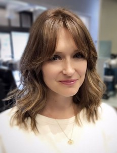 Curtain Bangs Hair Styles Ideas 21
