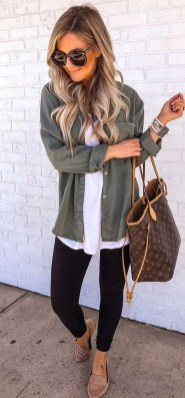 How To Style Casual Spring Outfits for Women 19