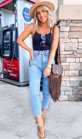 How To Style Casual Spring Outfits for Women 20