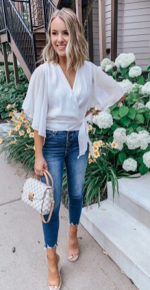 How To Style Casual Spring Outfits for Women 24