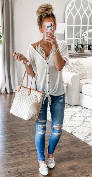How To Style Casual Spring Outfits for Women 25