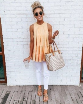 How To Style Casual Spring Outfits for Women 32