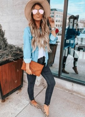 How To Style Casual Spring Outfits for Women 33