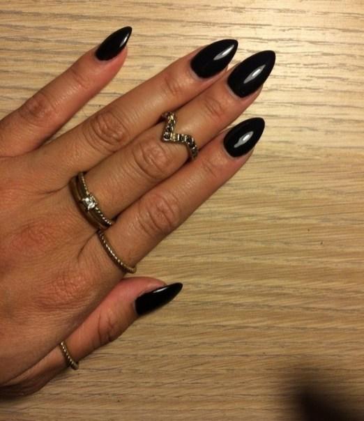 Inspiring Almond Shaped Nail for Girls 18