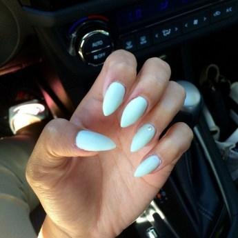 Inspiring Almond Shaped Nail for Girls 24