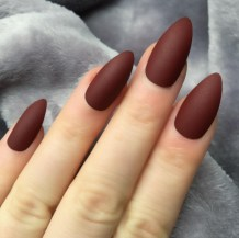 Inspiring Almond Shaped Nail for Girls 25