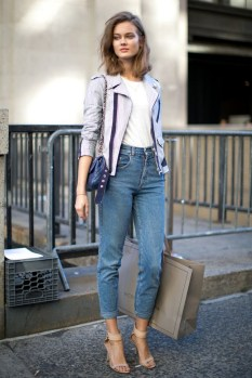 Mom Jeans Outfits Ideas for 2021 01
