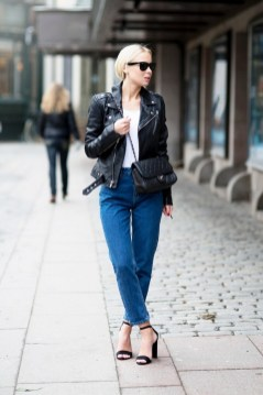Mom Jeans Outfits Ideas for 2021 14