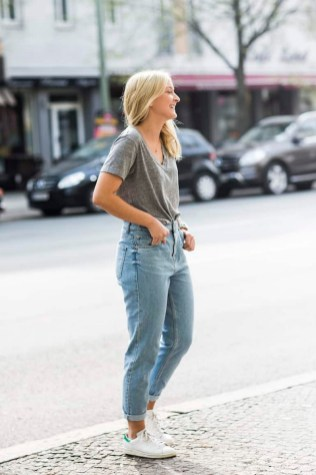 Mom Jeans Outfits Ideas for 2021 39