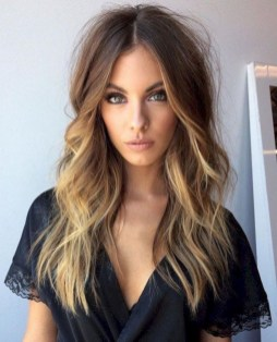 20 Long Wavy Hairstyles The Envy of Most Women 11