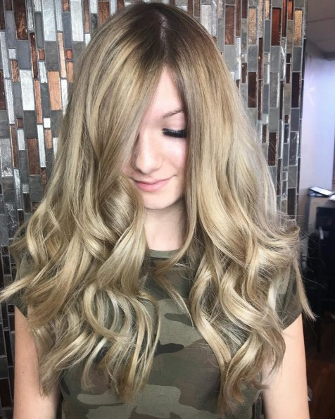20 Long Wavy Hairstyles The Envy of Most Women 12