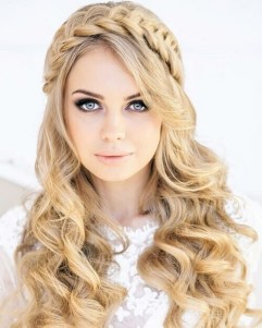 20 Long Wavy Hairstyles The Envy of Most Women 17
