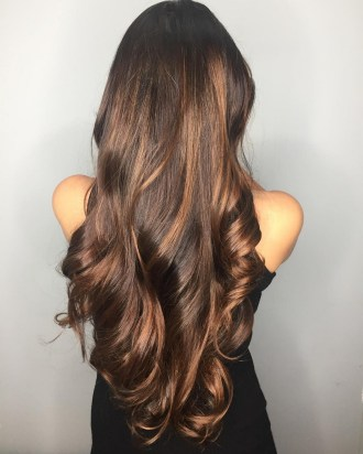 20 Long Wavy Hairstyles The Envy of Most Women 19