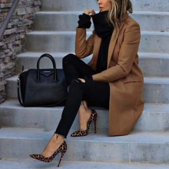 30 Fashionable Fall Outfits This Year 11