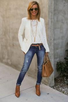 30 Stylish fall boots women outfit ideas 02