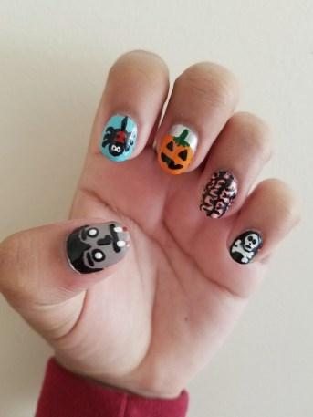 50 Cute Halloween Nail Art You Will Love 04