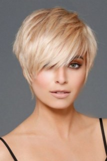 60 Dare to be Sexy with Short Hairstyle Look 18