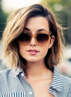 60 Dare to be Sexy with Short Hairstyle Look 19