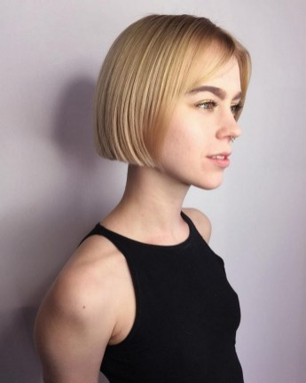 60 Dare to be Sexy with Short Hairstyle Look 30