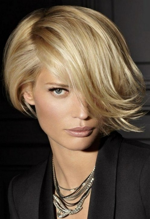 60 Dare to be Sexy with Short Hairstyle Look 38