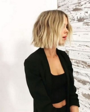 60 Dare to be Sexy with Short Hairstyle Look 50