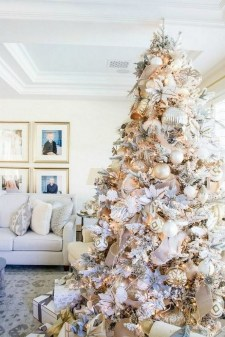 70 Catchy Silver and Gold Christmas Trees Decor You Need to See 53